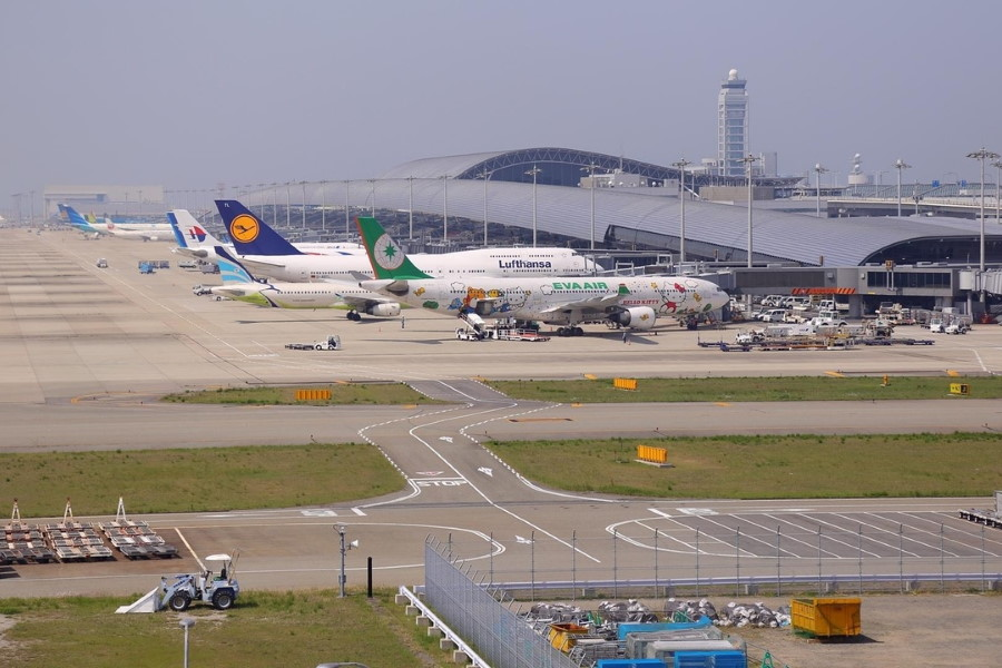 Andalucía su industria aeronáutica y su modelo aeroportuario